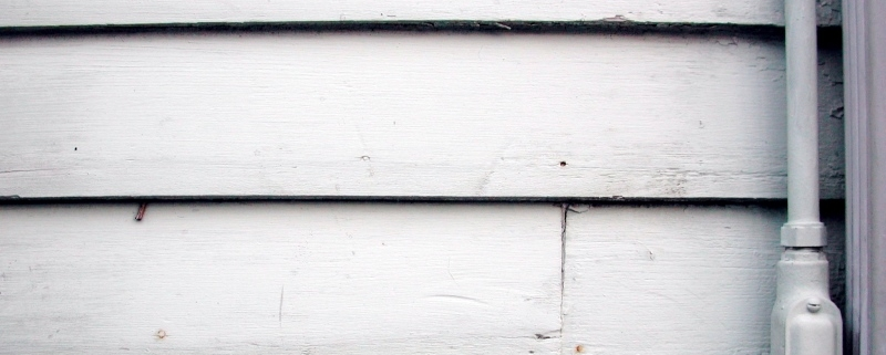 replacing a bottom hardie siding strip with a new one